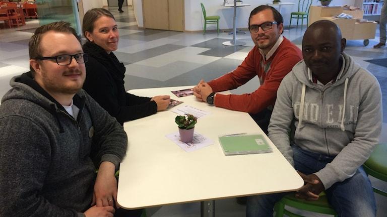 Jonathan Major, Maria Gustafsson, Daniel Gamboa Esquivel och Thomas Mesumbe. Foto: Sofie Tejre/Sveriges Radio.