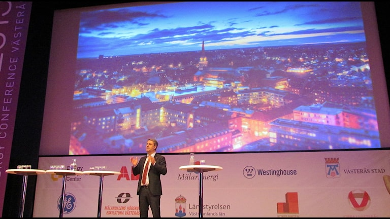 Energiminister Ibrahim Baylan talar på energikonferens i Västerås. Foto: Monica Elfström/Sveriges Radio.