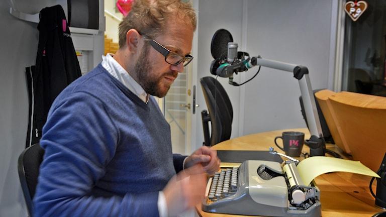 Ordexperten Dan Linder. Foto: Eva Kleppe/Sveriges Radio.