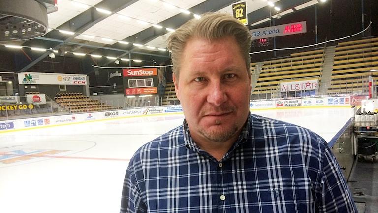 VIK Hockeys tränare Andreas Appelgren. Foto: Johan Bengts/Sveriges Radio.