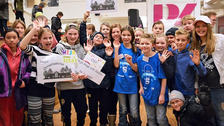 Orrestaskolan firar att de gått till final. Foto: Eva Kleppe/Sveriges Radio.