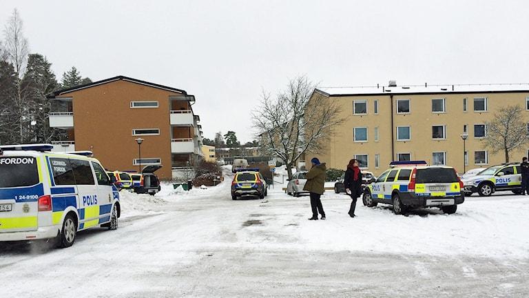Polisen på utryckning på Råby i Västerås.