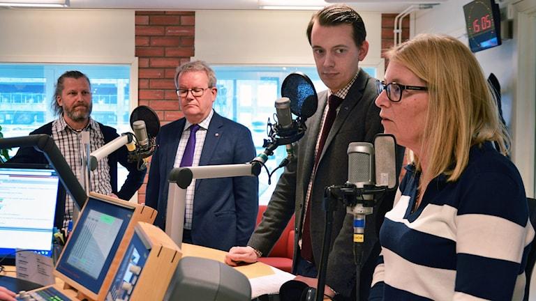 Magnus Edström (MP), Anders Teljebäck (S), Jesper Brandberg (L) och Elisabeth Unell (M).