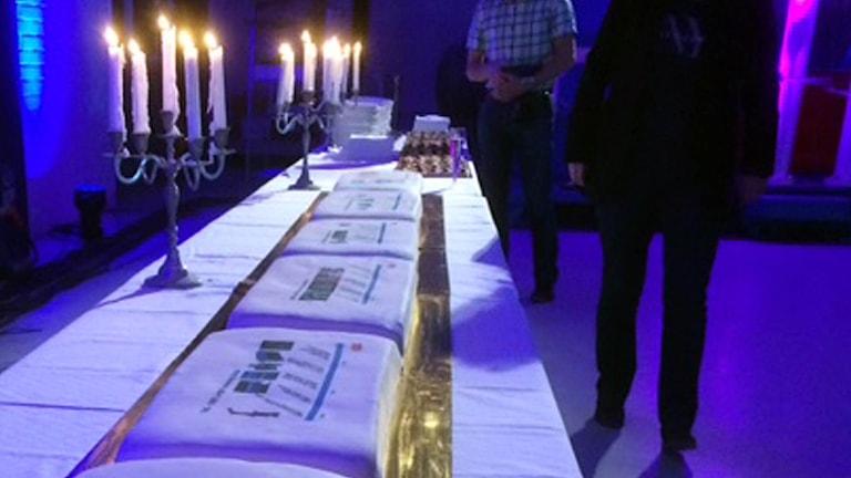 Tårtor i långa rader för att fira 100-års jubileum på ABB Corporate Research.