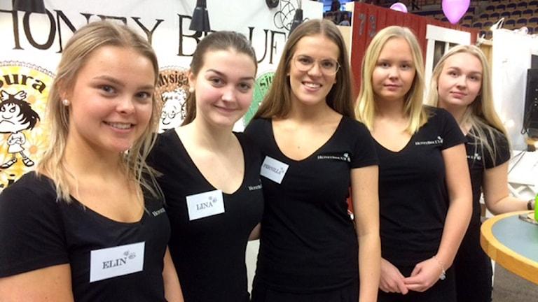 De fem klasskompisarna Elin Jansson, Lina Ahlstrand, Pernilla Nordmark, Nellie Dickson och Emma Gustavsson driver företag tillsammans.
