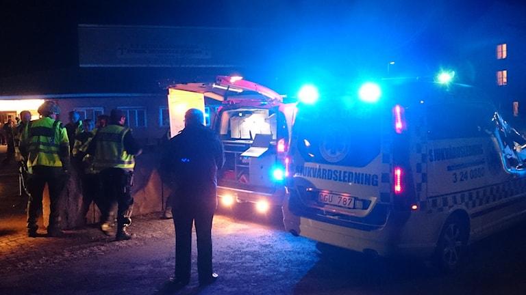 Räddningspersonal vid Önstaskolan.