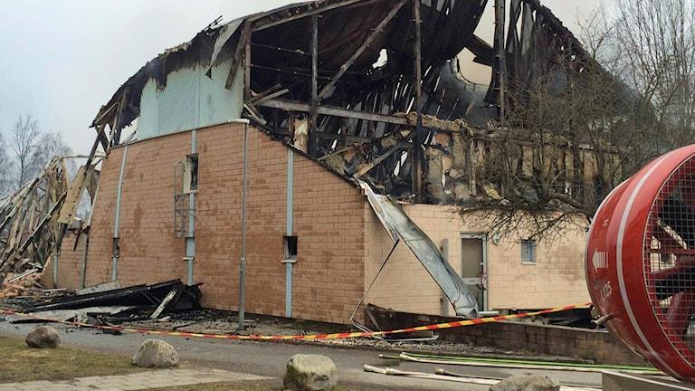 Önstaskolans gymnastiksal dagen efter branden.