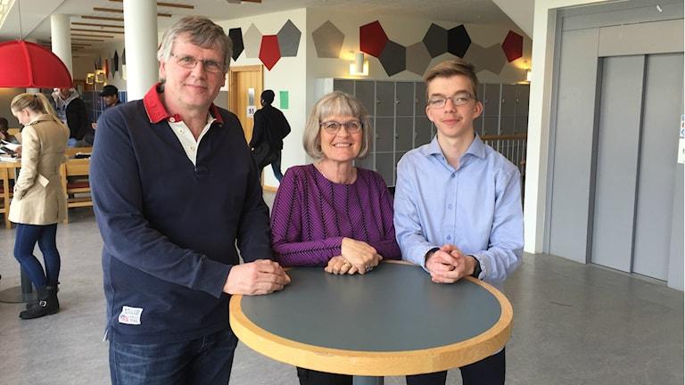 Ronnie Sesone, Karin Engström-Johansson och Gustav Broman