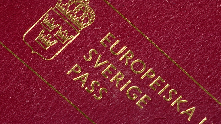 Ett svenskt pass.