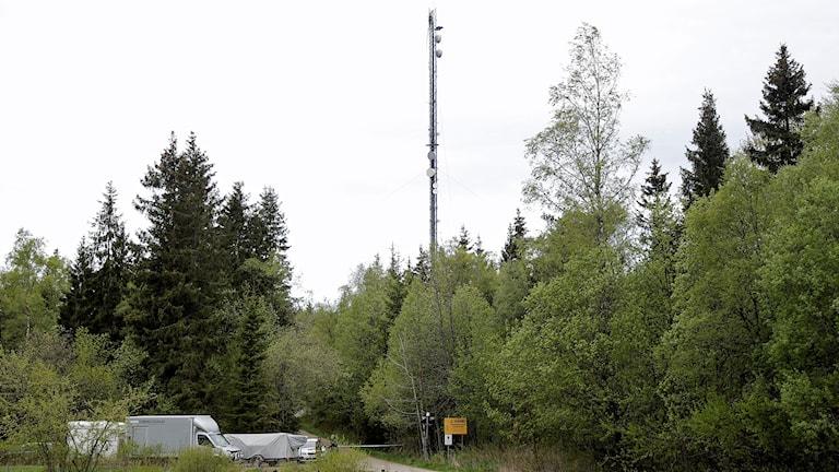 Avspärrningar vid Häglaredsmasten utanför Borås.