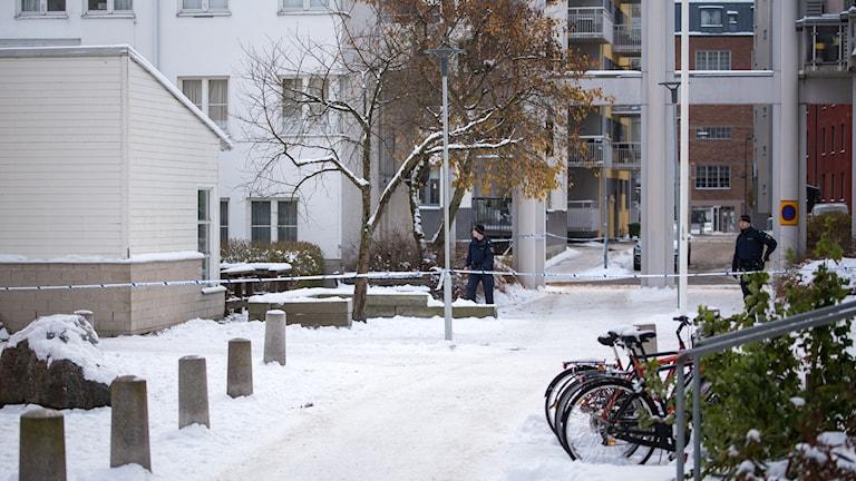 Avspärrat Östermalmsgatan.