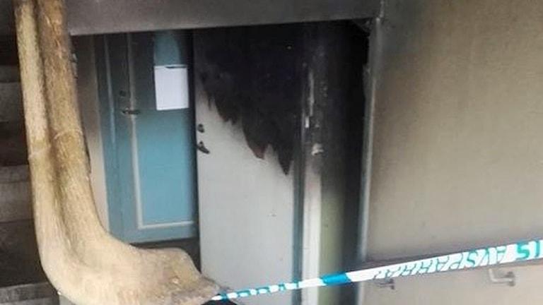 Brand i källare.