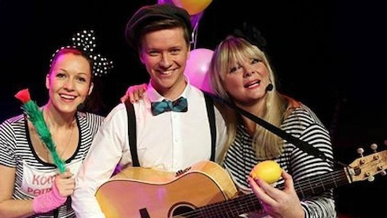 Dea Norberg, Andreas Eriksson och Britta Bergström i Kompispatrullen.