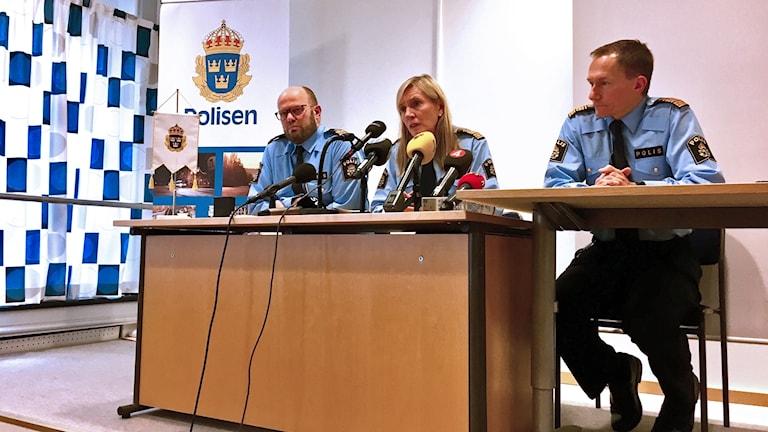Lars Jansson, polisområdeschef Västerås, regionpolischef Carin Götblad och Robert Wallén, polisområdeschef i Västmanland.
