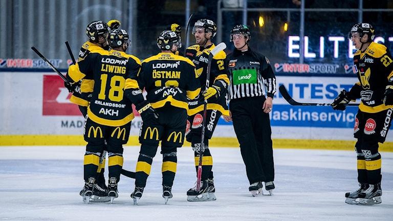 VIK Hockey firar mål