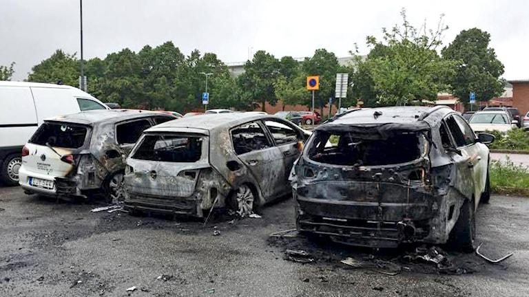 Fyra bilar som brunnit på Bäckby i Västerås.