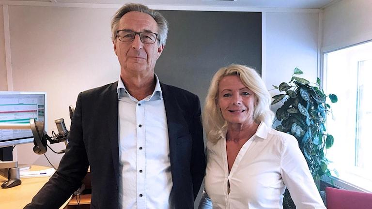 Regionrådet Tomas Högström (M) och riksdagsledamot Pia Nilsson (S).