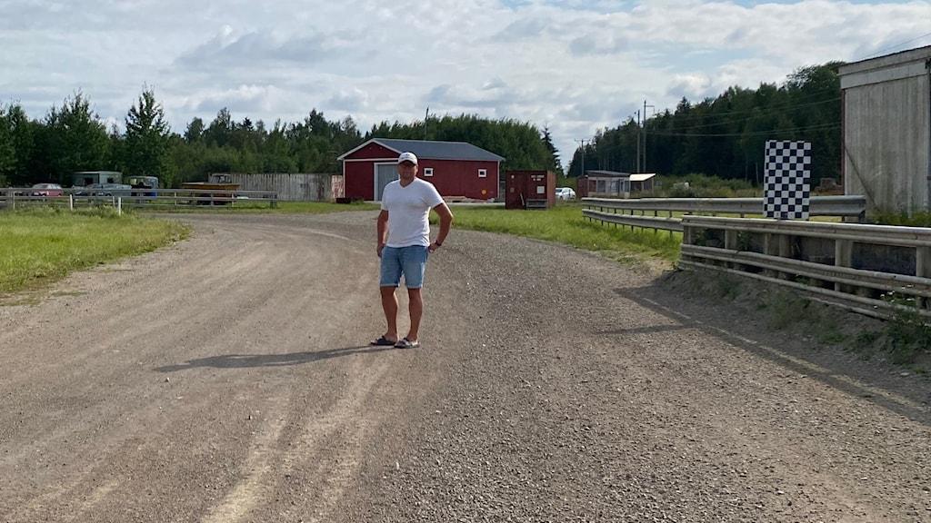 Stefan Göransson vid motorstadion i Sala