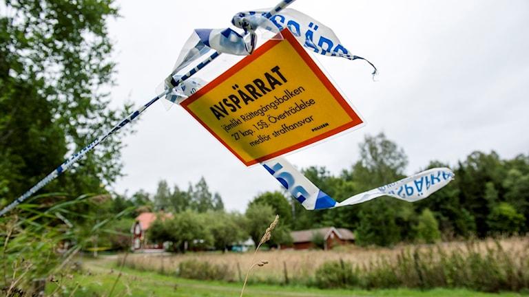 Avspärrning efter sommarstugemordet i Arboga.