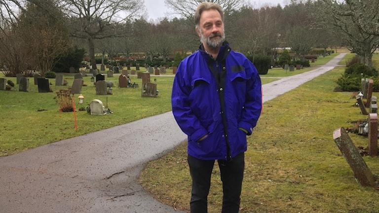 Lars-Håkan Engman på Hovdestalunds kyrkogård i Västerås.