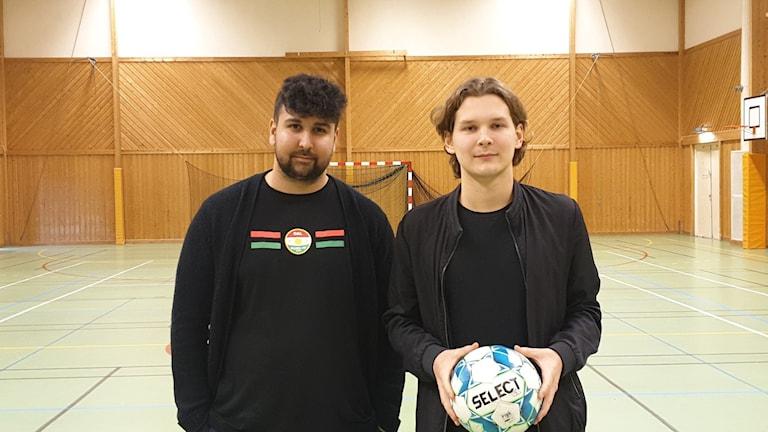 Risha Bahram och Linus Lindbäck, grundare av futsal-klubben Elastico i Köping