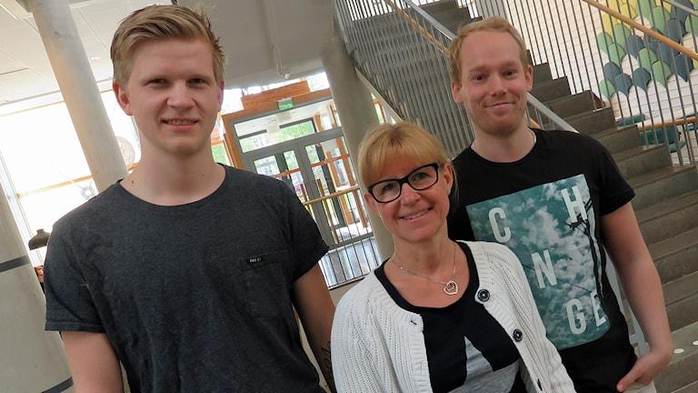 William Törnqvist, Anneli Johansson, André Holmgren studerar till socionom på Mälardalens Högskol.