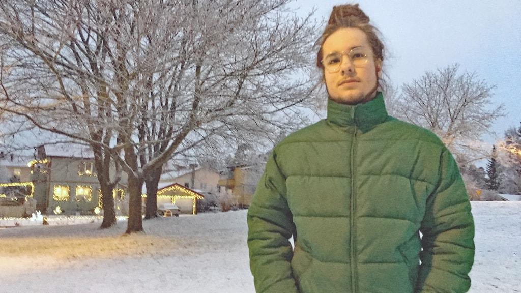 Felix Larsson, hiphopmusiker från Surahammar. Med i bandet Concrete combination och har artistnamnet Loco P.