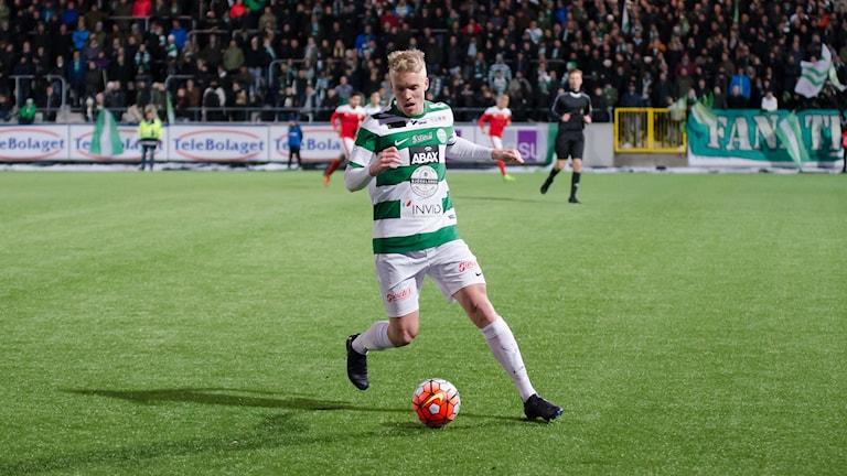 Simon Johansson VSK Fotboll. Foto: Mattias Forsberg.