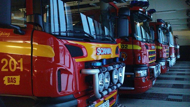 Brandbilar på rad.