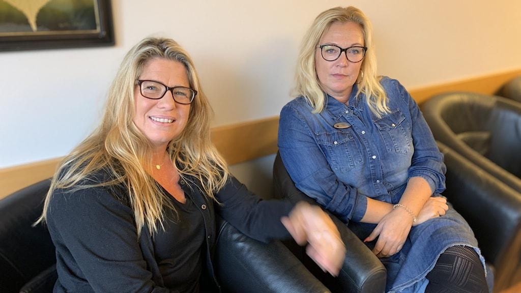 Skolchef Katarina Djukic Forsman och Stina Pettersson, rektor på Bäckhammarskolan i Surahammar.