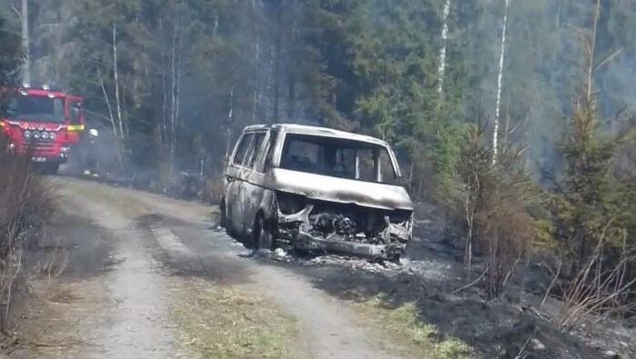 Brand i minibuss vid Hedensberg