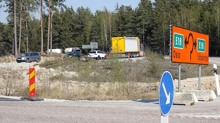 Tillfällig rondell när bron vid Västjädra ska byggas om.