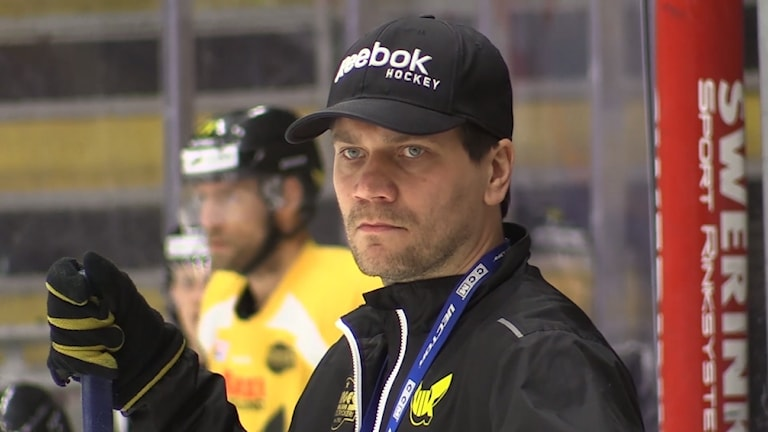 VIK Hockeys tränare Thomas Paananen