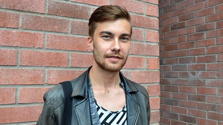 Fredrik Sinkkonen arbetar med ungdomar.