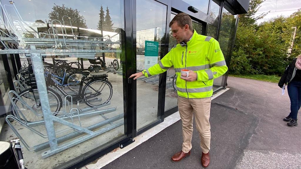 Joshua Bender, gatu- och parkchef i Köpings kommun