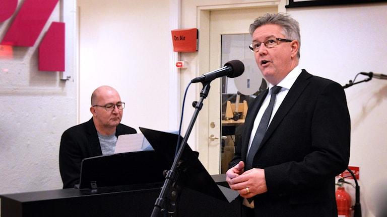 Julmusik med Stefan Appelqvist och Mikael Wretholm.