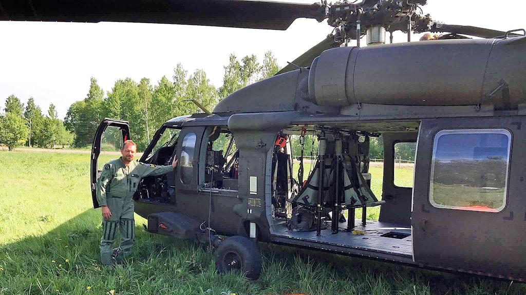 Lars Blomkvist, befälhavare på den helikopter som vattenbombat vid skogsbranden i Skinnskatteberg.