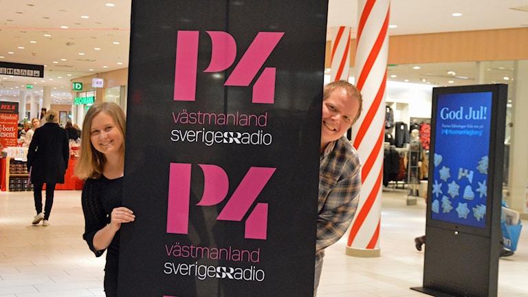 Madeleine Rapp och Mattias Rensmo sänder direkt från Erikslund.