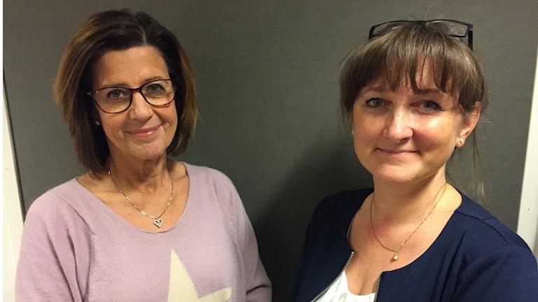 Christina Jogér, förvaltningsdirektör för bland annat psykiatrin och Lena Johansson (S), regionråd.