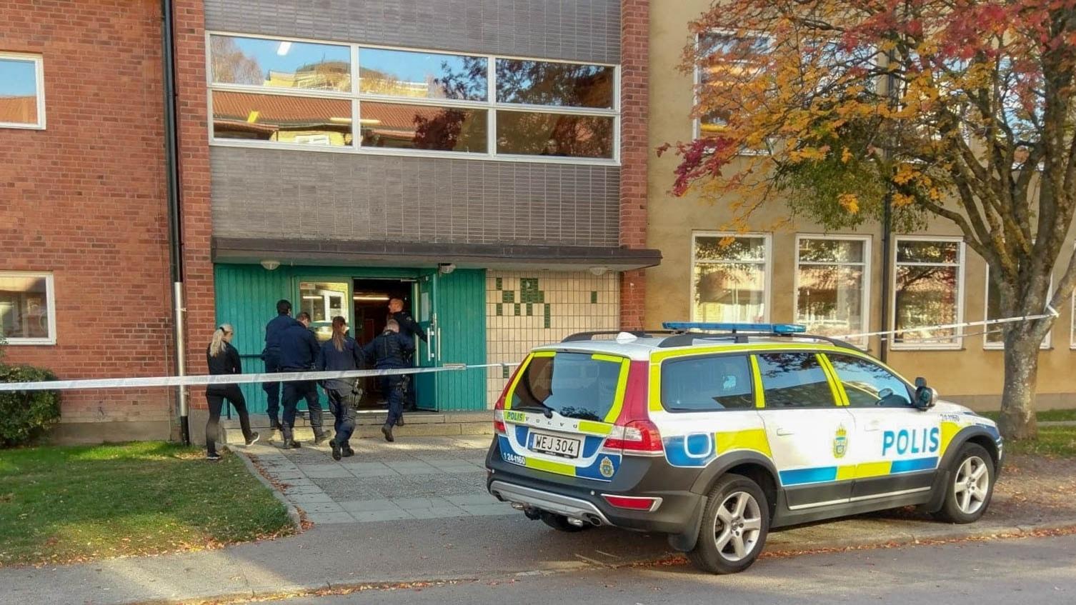 Pojke skadad misstankt mordforsok pa skola