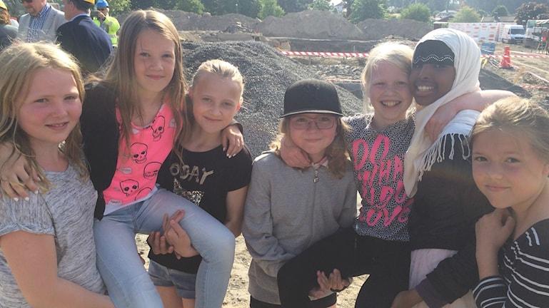 Framtida elever på den nya skolan.