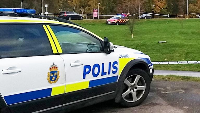 Polisbil under en insats