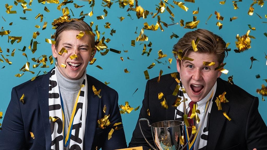Vinnarna Fredrik Rinaldo och Mickel Wallentin från Västerås.
