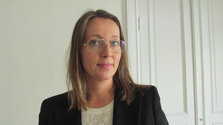 Amanda Hikes, advokat