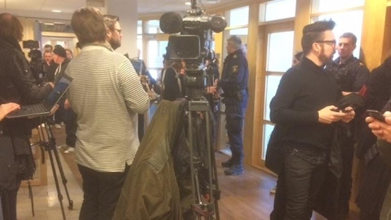 Rättegångsbild från första dagen vid Facebookrättegången vid Uppsala tingsrätt