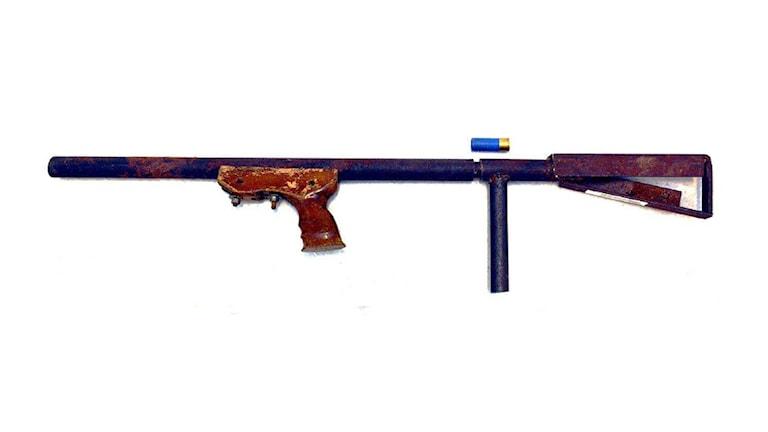 Vapnet bedöms som primitivt men livsfarligt.