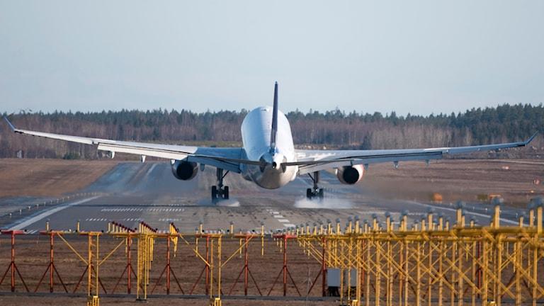 Flygplan landar på Arlanda. Foto: Fredrik Sandberg/Scanpix