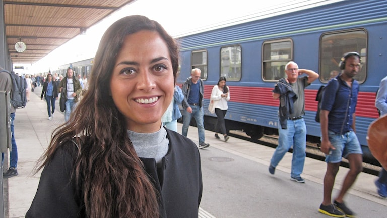 Maryam Rezaei tågpendlar mellan Uppsala och Stockholm.