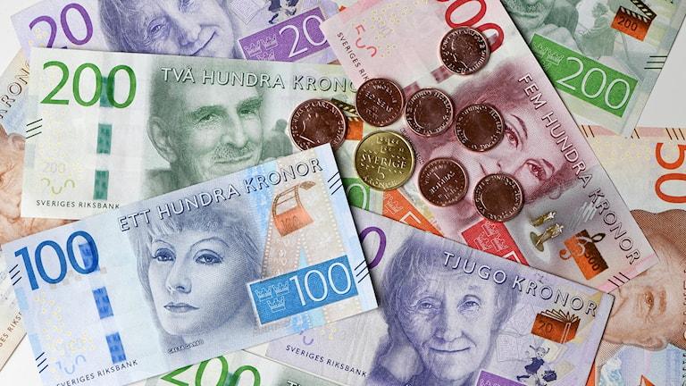 Mynt och sedlar.