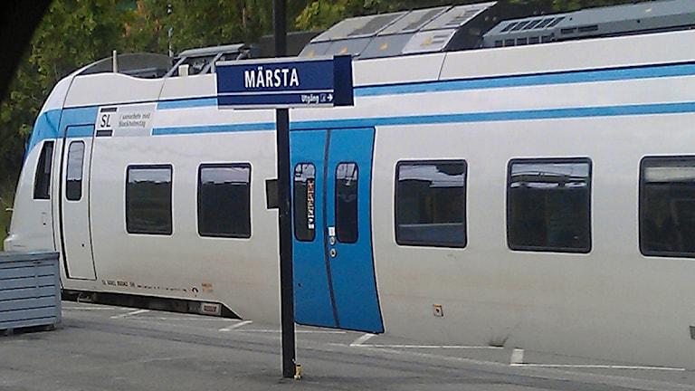 SL-pendeln vid Märsta station. Foto: August Bergkvist / SR